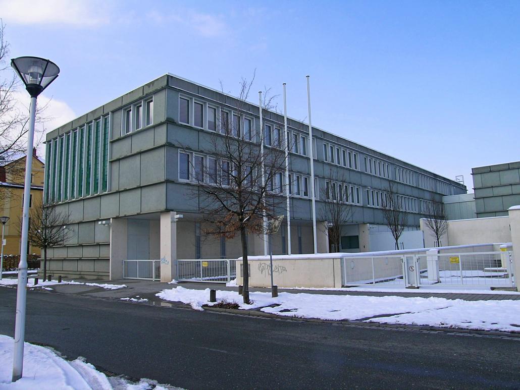 Büro-/Verwaltungsgebäude mit Tiefgarage und Wohnungen (ehem. Landeszentralbank) ca. 2.900 m² Wohn-/Nutzfläche