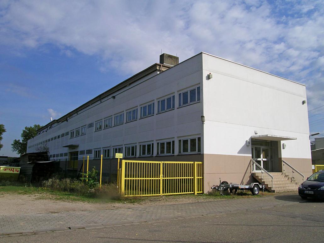 Büro-/Produktionsgebäude mit Wohnung ca. 3.000 m² Wohn-/Nutzfläche