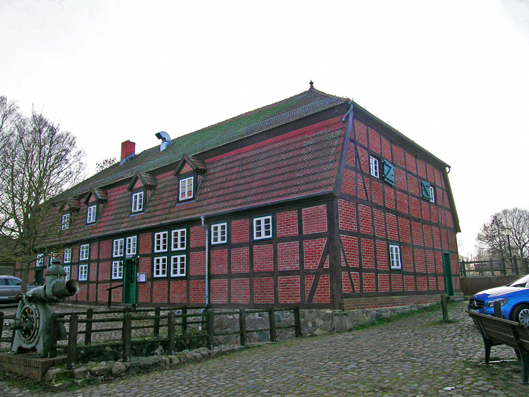 Ein mit einem Geschäftshaus (Büro- und Gaststättennutzung) bebautes Erbbaurecht ca. 350 m² Nutzfläche